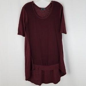 Left of center s burgundy high low tshirt  E10
